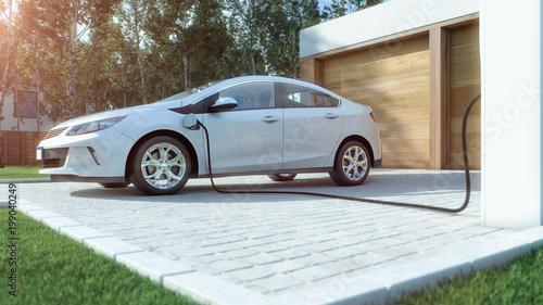 Cuadros en Lienzo  Modernes Elektroauto zu Hause Strom tanken