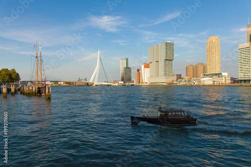 Staande foto Rotterdam Balade le long de la Nouvelle Meuse - rotterdam - Paybas