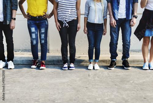 Obraz na plátně  Young adult friends youth culture concept