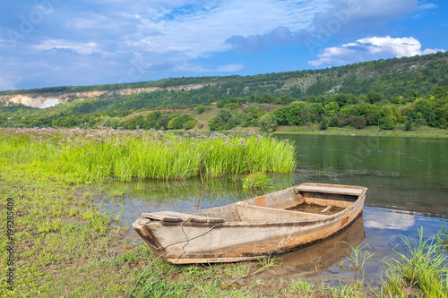 Fototapety, obrazy: scenery with wooden boat