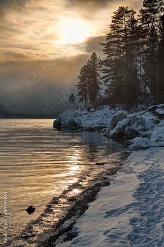 Foto op Aluminium Grijze traf. Russia. Mountain Altai. Sunset on lake Teletskoye.