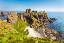 Dunnottar Castle With Clear Sk...