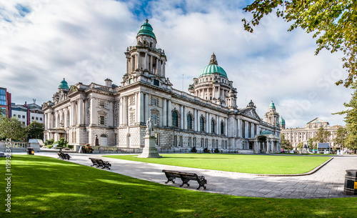 In de dag Noord Europa Belfast City Hall in Northern Ireland, UK