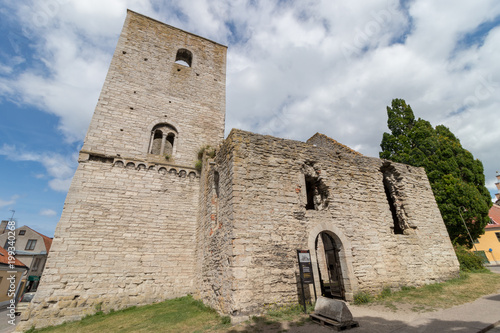 Photo  Ruins of an medieval church in Visby, on the island of Gotland, Sweden