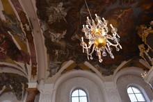 Innenansicht Der Pfarrkirche St. Cäcilia In Heusenstamm