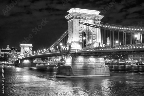 Fotobehang Boedapest Scenic night view of Chain Bridge in Budapest, Hungary