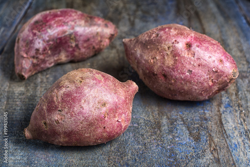 Fotografía  closeup of red sweet potato variety in South America