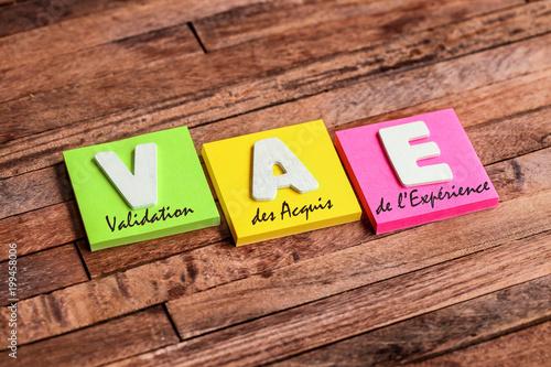 Foto  post-it acronyme : VAE