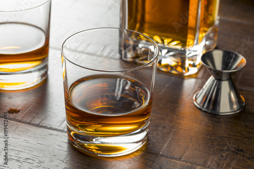 Foto op Canvas Alcohol Delicious Bourbon Whiskey Neat