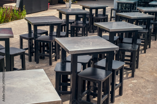 Photo sur Toile Drawn Street cafe tables and empty chairs at the coffee shop