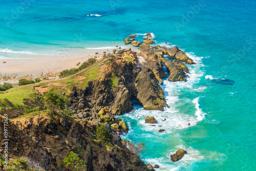 Papel de parede Ocean view over Cape Byron, the Most Easterly Point on the Australian Mainland with green turquoise water waves in Byron Bay, Australia