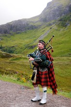 Piper In Traditional Scottish ...