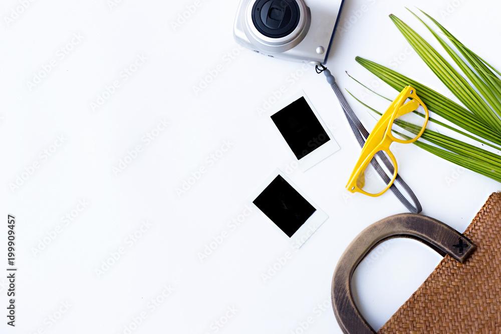 Fototapeta flat lay Frame with paper. Objects on white backgrund - obraz na płótnie