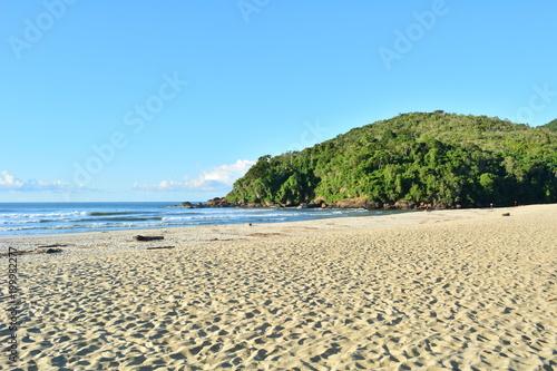 Photo Manhã de sol na praia Itamambuca, em Ubatuba, SP, Brasil