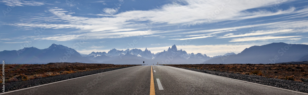 Fototapety, obrazy: Road to El Chalten, Fitz Roy mountains at background. Scenic panorama.
