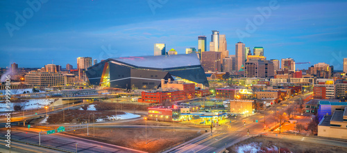 Photo Stands United States Minneapolis downtown skyline in Minnesota, USA