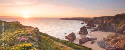 La pose en embrasure Cote Bedruthan steps cornwall uk