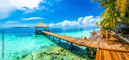 Montage in der Fensternische Strand Maldives beach resort panoramic landscape