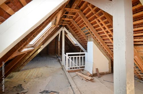 Fototapeta Dachausbau, Wärmeschutz, Dachkammer