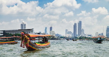 Tourist Popular Boat Travel On...