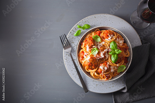 Photo sur Toile Plat cuisine spaghetti with meatballs and tomato sauce, italian pasta