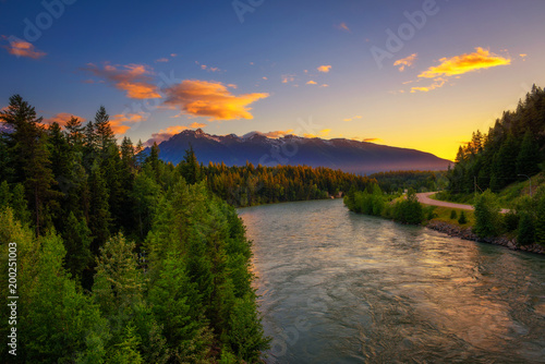 Tuinposter Canada Sunset above Fraser River near Jasper National Park in Canada