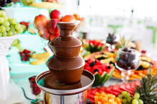 Chocolate Fountain And Fruits ...
