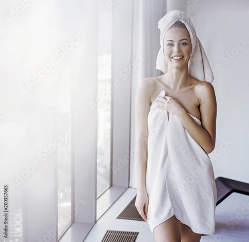 Papiers peints Artiste KB Portrait of a cheerful lady in a spa place