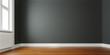Leerer Raum mit Fenster und dunkler Wand