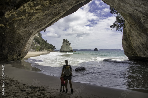 Foto op Aluminium Cathedral Cove catherdral cove new zealand coromedal vacation family with kids