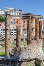 Largo Di Torre Argentina, Is A...