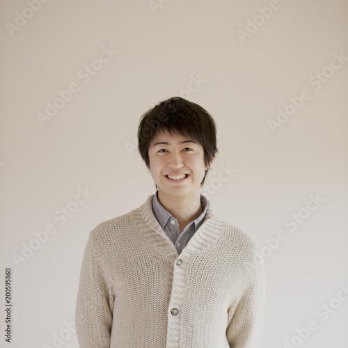 微笑む男性のポートレート