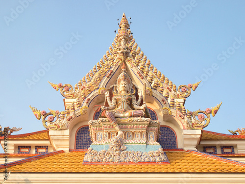 Photo  beautiful gable of the famous temple