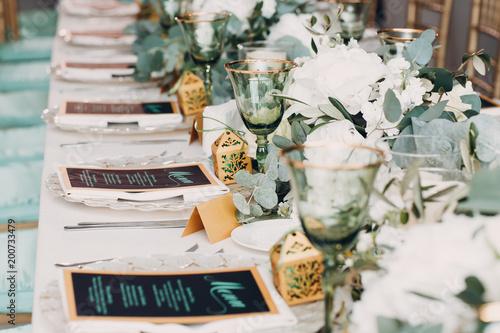 Stampa su Tela Wedding table decor in white green tones