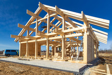 Construction Of A House Made Of Laminated Veneer Lumber. The Frame Of The House. Cottage Made Of Laminated Wood. Erection Of The Frame Of The Cottage. Manufacture Of Houses Made Of Wood.