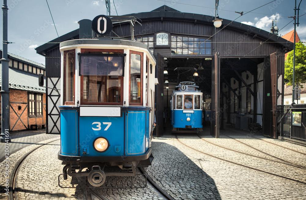 Fototapety, obrazy: Zabytkowy tramwaj w mieście Kraków w Polsce