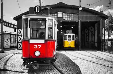 stari povijesni tramvaj u kraljevskom gradu Krakovu u Poljskoj