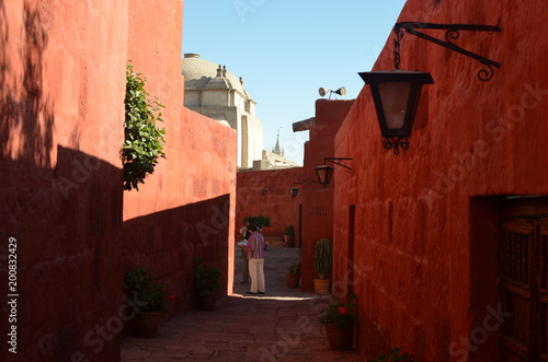 Poster Algérie Painted walls and doorways in the Santa Catalina monastery, Arequipa, Peru