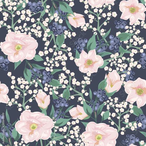 bezszwowy-wzor-z-rozowymi-kwiatami-i-blekitnymi-jagodami