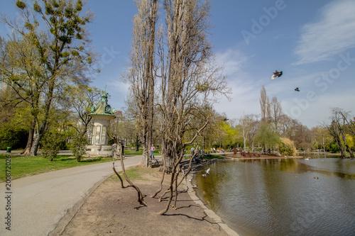 Frühling im Stadtpark in Wien, Österreich Poster