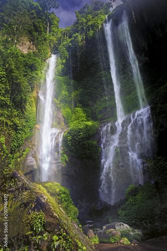Deurstickers Watervallen Sekumpul Waterfall