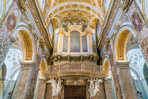 Photographie  Pipe organ in the dome of the Church of Saint Louis of the French in Rome, Italy