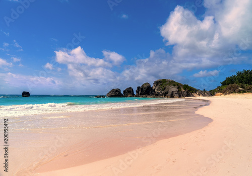 Beautiful Horseshoe Bay Beach on Bermuda's south shore. Wallpaper Mural