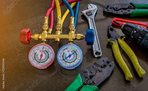 Air Conditioning Repair tool Pressure Gauge and Air Purifier