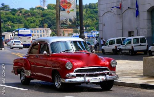 Aluminium Prints Old cars キューバのクラシックカー