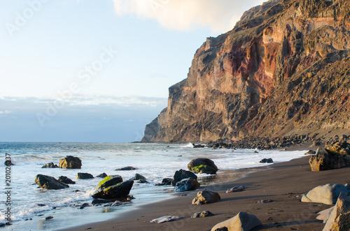 Tuinposter Canarische Eilanden Black sand beach at the atlantic ocean in La Gomera, one of the canary islands.