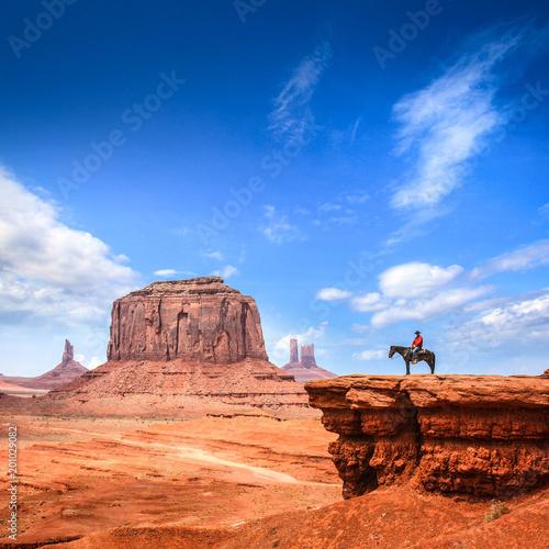 Poster de jardin Vache Monument Valley with Horseback rider / Utah - USA