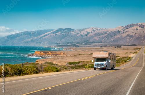 Fotografia Recreational vehicle on Highway 1, California, USA