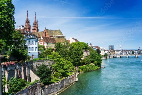 Photo BASEL, SWITZERLAND - June 16, 2017: Rhine river in Basel, Switzerland