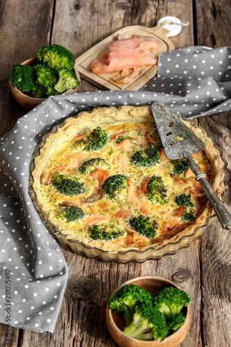 tarte entière au saumon et brocolis 3